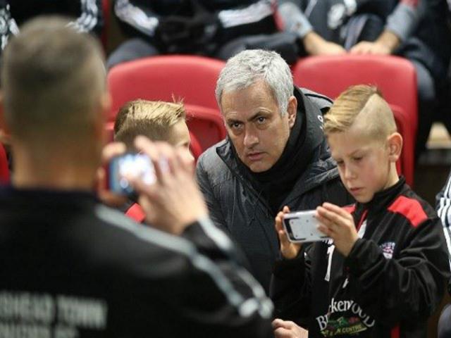 """Họp báo MU - Leicester City: Mourinho tha thứ """"tội đồ"""" 5"""