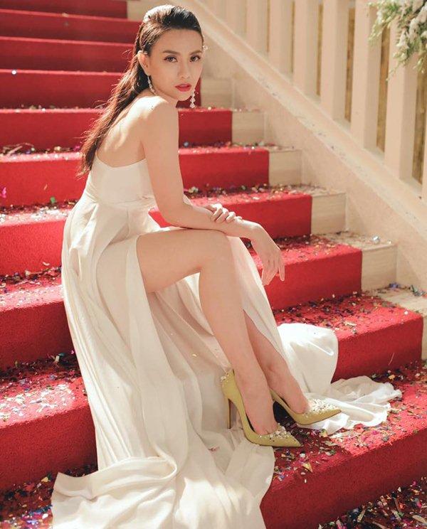 Sau chia tay, Thu Thủy đẹp như gái đôi mươi với tuyệt chiêu đơn giản và rẻ