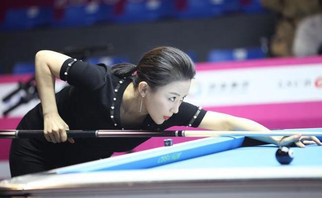 Ngỡ ngàng: Kiều nữ bi-a Trung Quốc thua trận vì