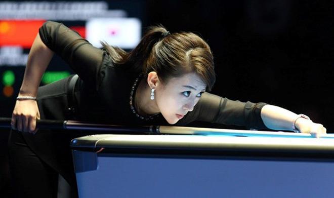 """Ngỡ ngàng: Kiều nữ bi-a Trung Quốc thua trận vì """"tai nạn đỏ mặt"""" 4"""