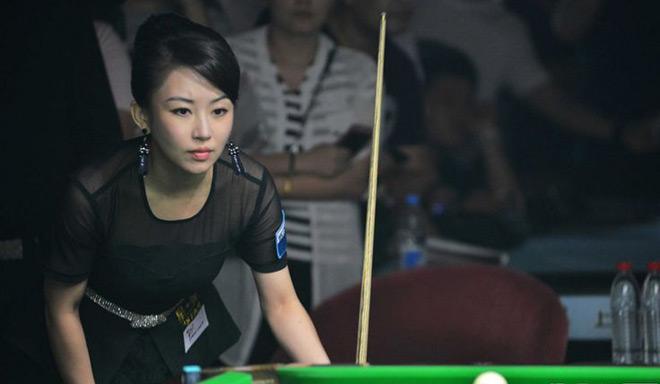 """Ngỡ ngàng: Kiều nữ bi-a Trung Quốc thua trận vì """"tai nạn đỏ mặt"""" 2"""