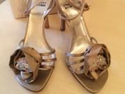 """Thị trường - Tiêu dùng - Đôi giày tuyệt đẹp mang tên """"quả bom sex"""" Marilyn Monroe có gì đặc biệt?"""