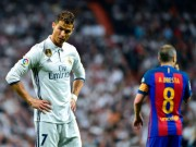 """Bóng đá - Messi sút bóng """"vỡ mặt"""" Ronaldo: Khôn khéo """"dập lửa"""", CR7 nuốt hận"""