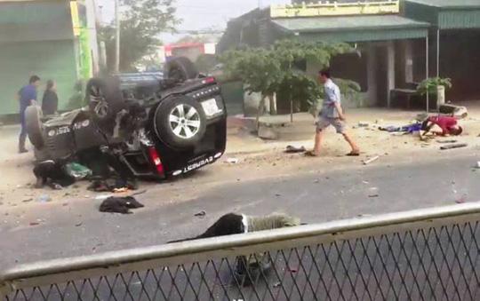 Ô tô tông xe máy, 2 người chết, 2 người bị thương nặng
