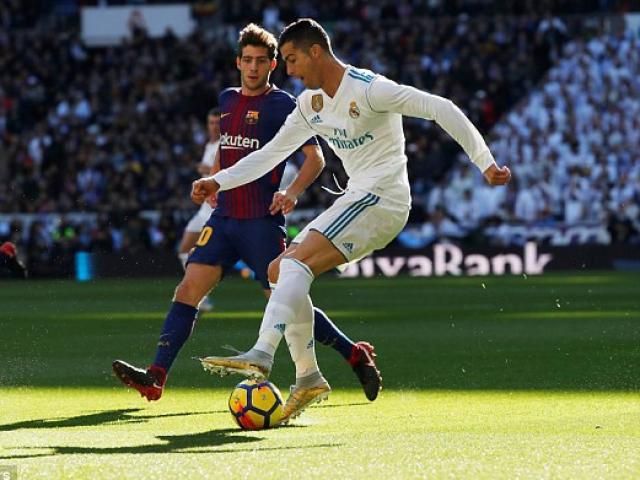 Messi đi tất hạ Real: Từ chân không giày đến... Giày vàng, Bóng vàng 5