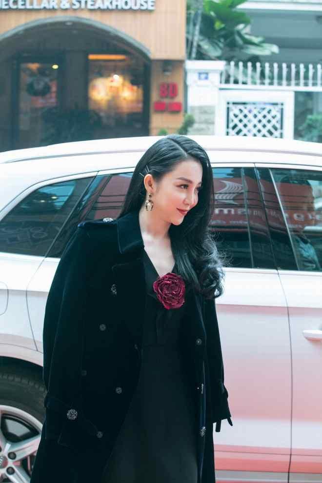 Linh Nga rạng rỡ đi sự kiện sau khi thắng kiện chồng cũ