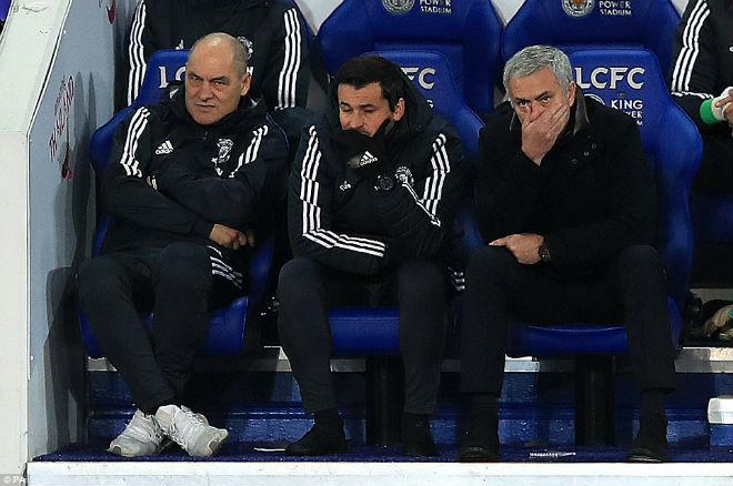 """MU đua Man City: Mourinho nổi điên, mắng học trò """"vụng dại"""" 2"""