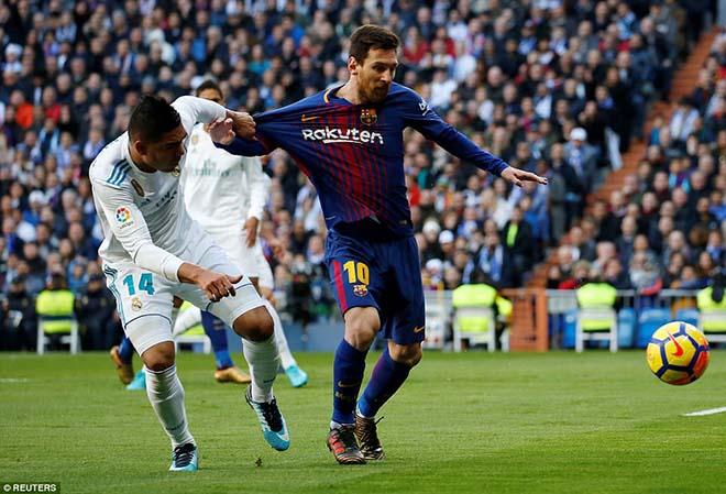 Messi đi tất hạ Real: Từ chân không giày đến... Giày vàng, Bóng vàng 2