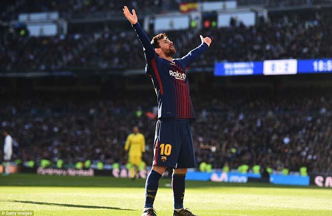 Messi đi tất hạ Real: Từ chân không giày đến... Giày vàng, Bóng vàng 1