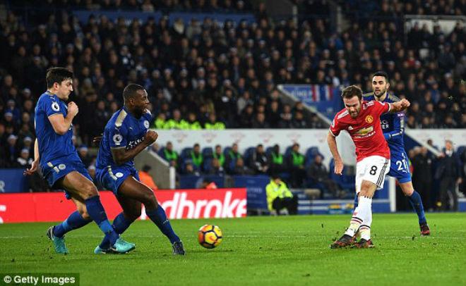 """Leicester - MU: Cú đúp siêu phàm, """"vỡ tim"""" phút 94"""