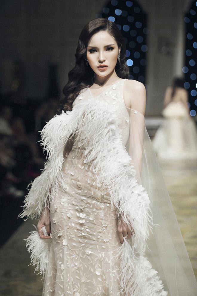 Hoa hậu Kỳ Duyên: Ngôi sao đường băng đắt show nhất năm 2017? - 5