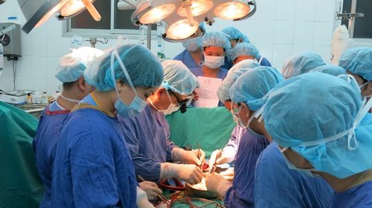 Xúc động, một người đàn ông hiến đa tạng cứu 3 người - 1