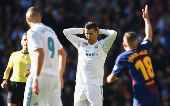 """Ronaldo """"vô hình"""" ở Siêu kinh điển: Bi kịch mới chỉ bắt đầu"""