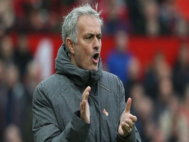 """Bắt bệnh MU: """"Đám trẻ"""" Old Trafford không lớn, lời cảnh tỉnh cho Mourinho 4"""
