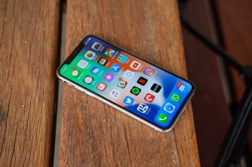 """Doanh số iPhone X, 8/8 Plus vẫn """"xách dép"""" cho iPhone 6/6 Plus - 1"""