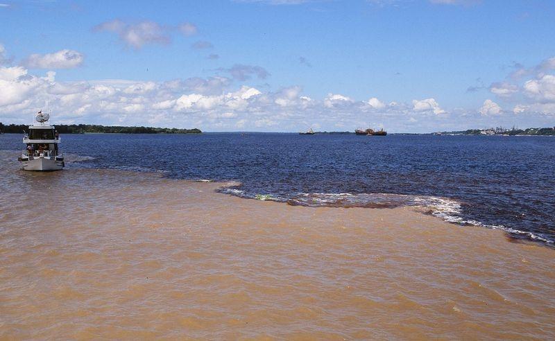 Bí ẩn dòng sông có hai màu nước không hòa lẫn - 5