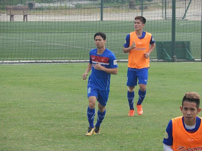 U23 Việt Nam tập nặng: HLV Park Hang Seo tung bài mong hạ Hàn Quốc - 1