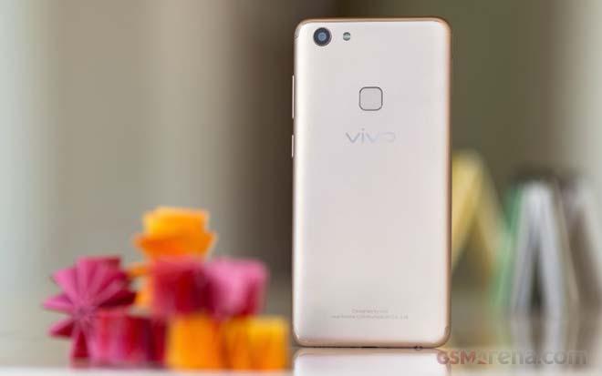 """Đánh giá chi tiết Vivo V7 - giá rẻ, camera 24Mp selfie """"ngon"""" - 2"""