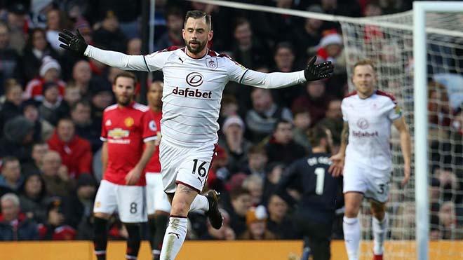 """MU """"buông"""" Ngoại hạng Anh, nhắm Cúp C1: Sanchez & điệp vụ bất khả thi 1"""