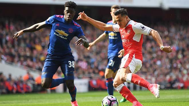 """MU """"buông"""" Ngoại hạng Anh, nhắm Cúp C1: Sanchez & điệp vụ bất khả thi 3"""