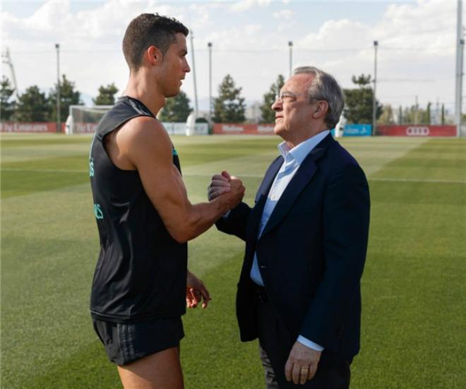 Thất bại sau trận siêu kinh điển, Ronaldo không hài lòng với kế hoạch mua bán của Perez