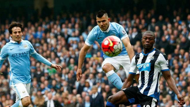 """Chi tiết Newcastle - Man City: Cú đánh đầu """"thót tim"""" (KT) 25"""