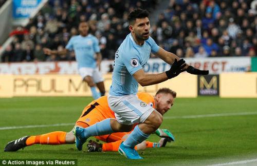 """Chi tiết Newcastle - Man City: Cú đánh đầu """"thót tim"""" (KT) 20"""