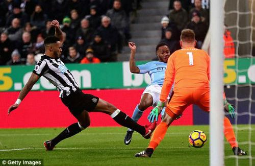 """Chi tiết Newcastle - Man City: Cú đánh đầu """"thót tim"""" (KT) 22"""