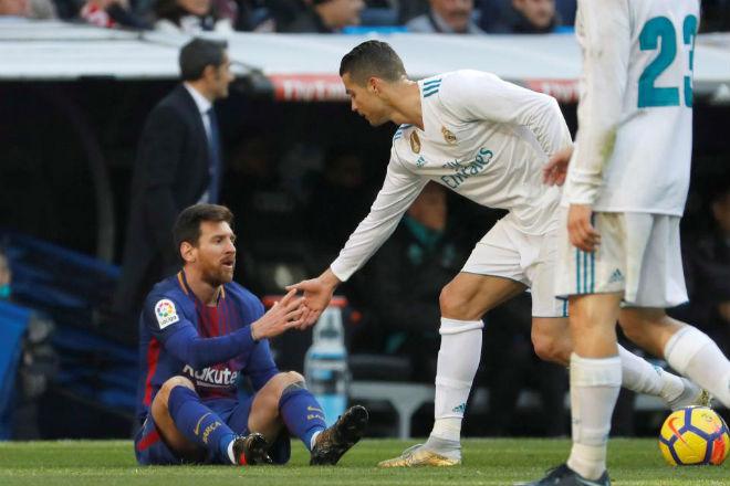 Bất ngờ: Ronaldo nhận thua Messi, muốn trả lại Quả bóng vàng - 2
