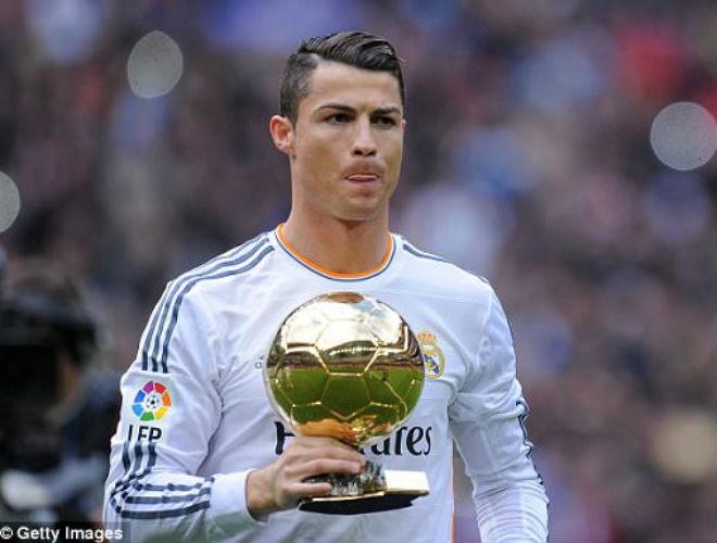 Bất ngờ: Ronaldo nhận thua Messi, muốn trả lại Quả bóng vàng - 1