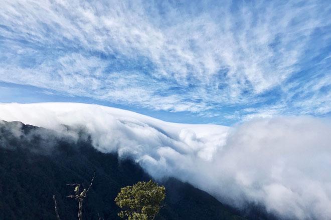 """Lặng người trước biển mây hùng vĩ trên """"sống lưng khủng long"""" Tà Xùa - 2"""