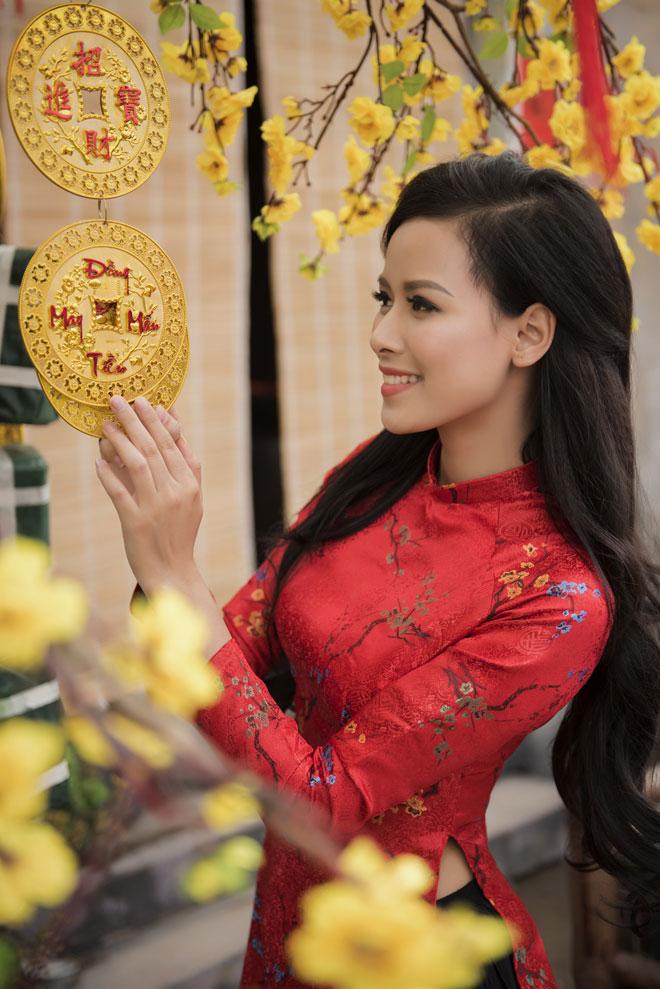 """Nữ y tá sexy khiến Trung Hiếu """"say như điếu đổ"""" giờ ra sao? - 4"""