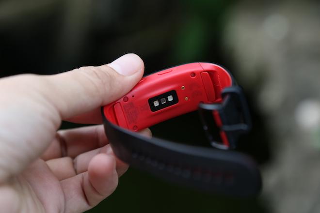 """Cận cảnh vòng đeo tay thông minh Gear Fit2 Pro trước ngày """"lên kệ"""" - 2"""