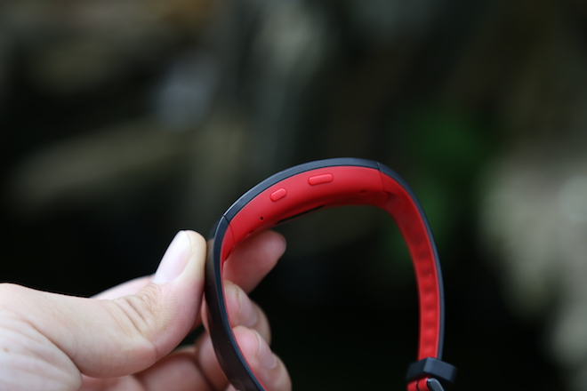 """Cận cảnh vòng đeo tay thông minh Gear Fit2 Pro trước ngày """"lên kệ"""" - 3"""