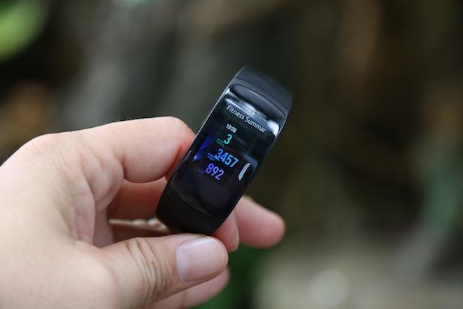 """Cận cảnh vòng đeo tay thông minh Gear Fit2 Pro trước ngày """"lên kệ"""" - 7"""