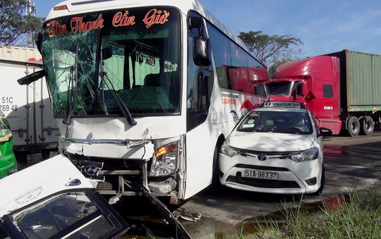 Gần 30 người tử vong vì tai nạn giao thông ngày đầu nghỉ Tết Dương lịch