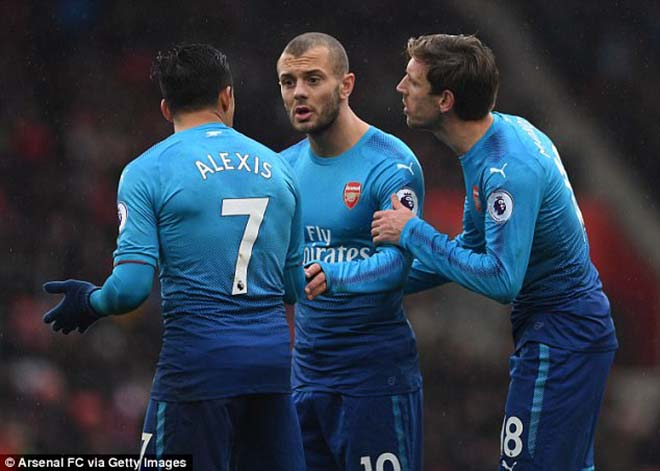 Sanchez nổi loạn: Phá nát phòng thay đồ Arsenal, Wilshere suýt tẩn vỡ mặt - 3