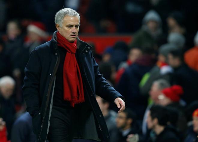 """MU sa sút: Vì Mourinho bảo thủ, """"chê đồ nội, sính đồ ngoại""""? - 2"""