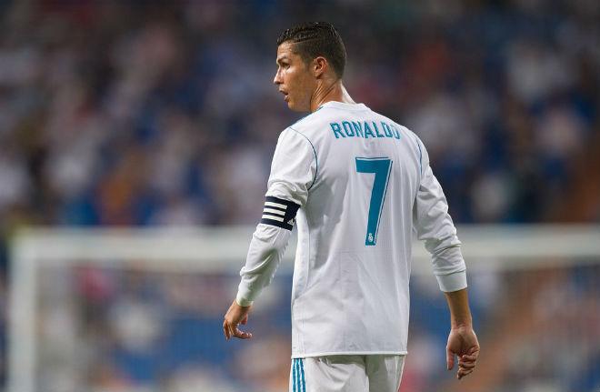 """Ronaldo """"hạ song điêu"""": Gạ Coutinho và Sanchez, thêm vây cánh xưng bá 1"""