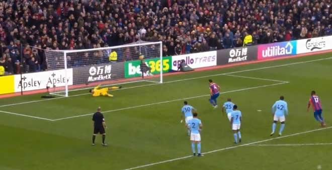 Crystal Palace - Man City: Penalty muộn & 9 phút bù giờ thót tim 3