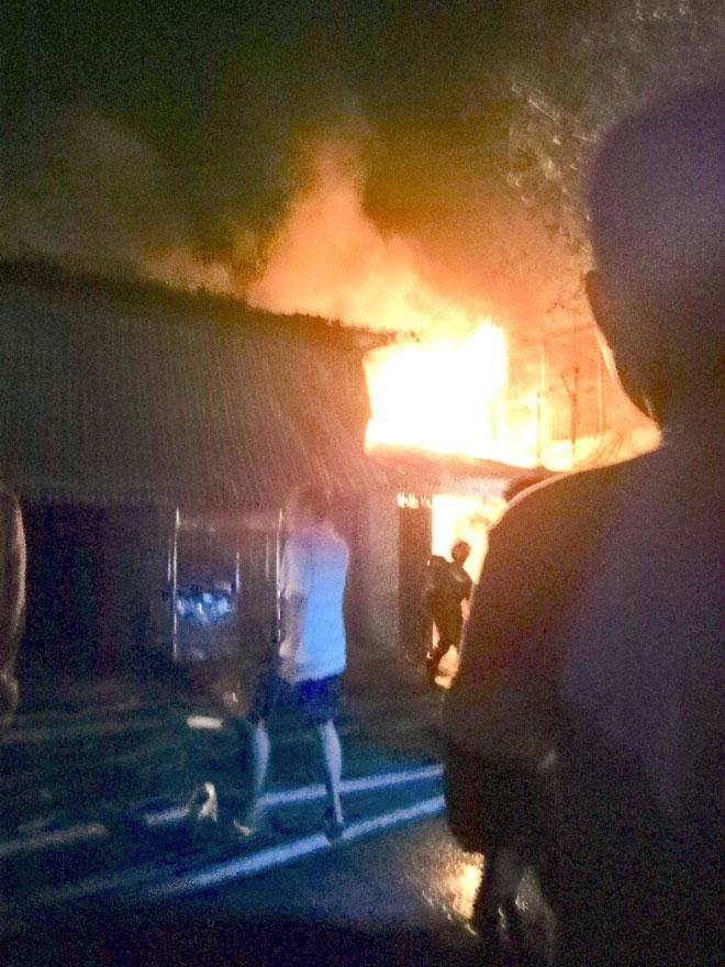 """6 căn nhà ở Sài Gòn chìm trong """"biển lửa"""" ngày cuối năm"""