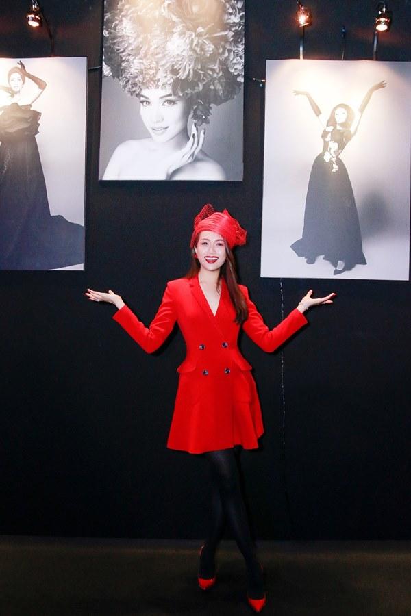 Bất ngờ với khuôn mặt khác lạ của Đỗ Mỹ Linh tại show thời trang Đỗ Mạnh Cường - 7