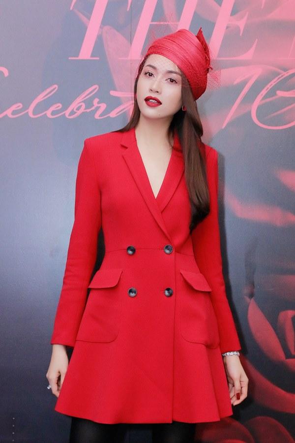 Bất ngờ với khuôn mặt khác lạ của Đỗ Mỹ Linh tại show thời trang Đỗ Mạnh Cường - 6