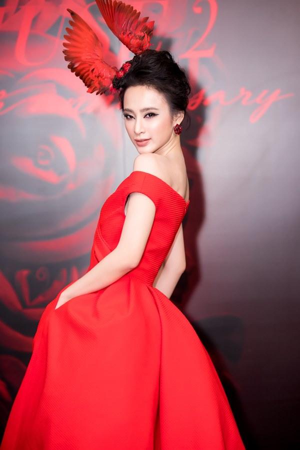 Bất ngờ với khuôn mặt khác lạ của Đỗ Mỹ Linh tại show thời trang Đỗ Mạnh Cường - 3