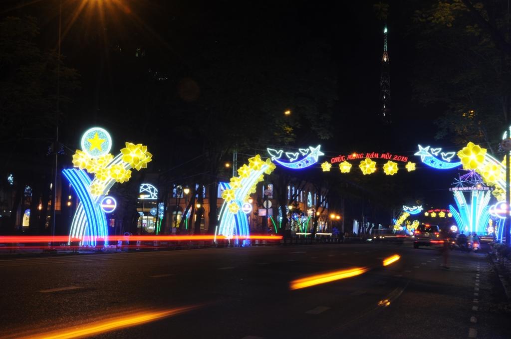 """Trung tâm Sài Gòn """"khoác áo mới"""" trước thời khắc chào đón năm mới 2018 - 6"""