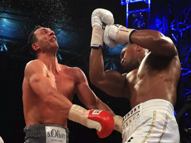 """Boxing kinh điển 2017: Trận Joshua """"đấm gục"""" Klitschko hay nhất thế giới 1"""