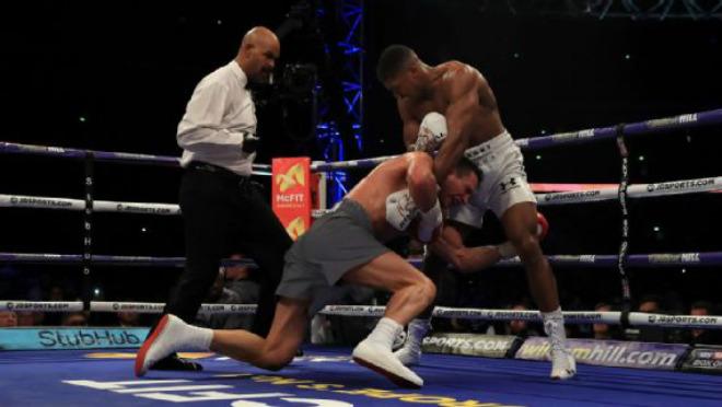 """Boxing kinh điển 2017: Trận Joshua """"đấm gục"""" Klitschko hay nhất thế giới 2"""