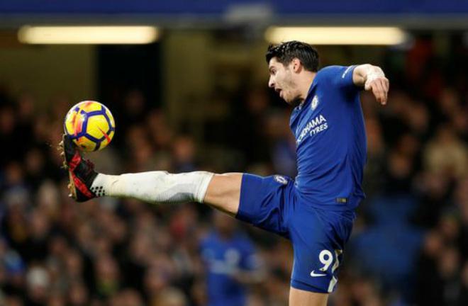 """Chelsea thắng hủy diệt: Morata """"tịt ngòi"""" vì không biết ghi bàn... bằng chân 1"""