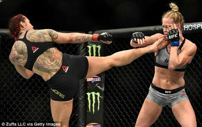 """Kinh điển UFC: """"Người máy"""" hủy diệt đáng sợ, """"độc cô cầu bại"""" tung hoành 2"""