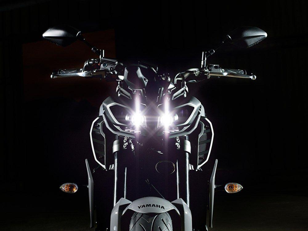 Bài viết này hãy cùng dầu nhớt xe máy cao cấp Totachi phân tích & tìm hiểu về mẫu xe mới của Yamaha FZ - 09